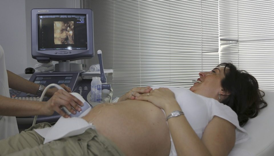 pregnancy-ultrasound-first-trimester
